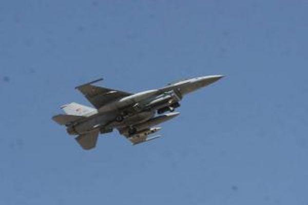 Yunanistan'dan F16'lı taciz