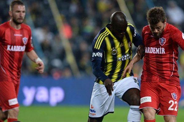 Fenerbahçe kendi evindeki son maçta gol şov yaptı