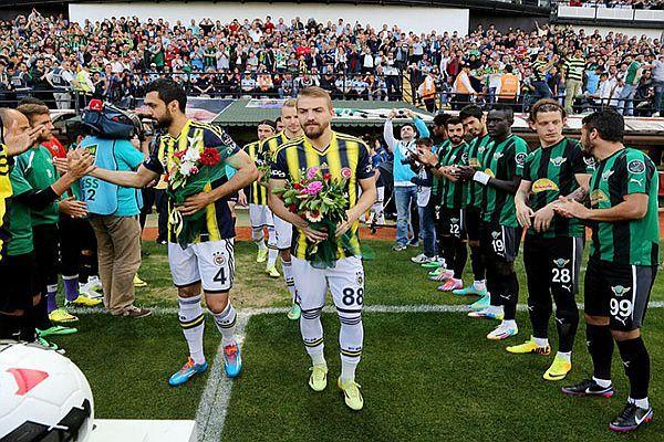 Akhisar Belediyespor'dan Fenerbahçe'ye maç öncesi anlamlı jest