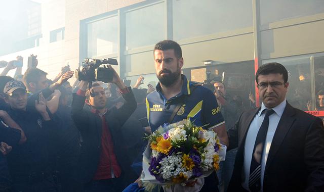 Fenerbahçe'de Volkan kadrodan çıkarıldı