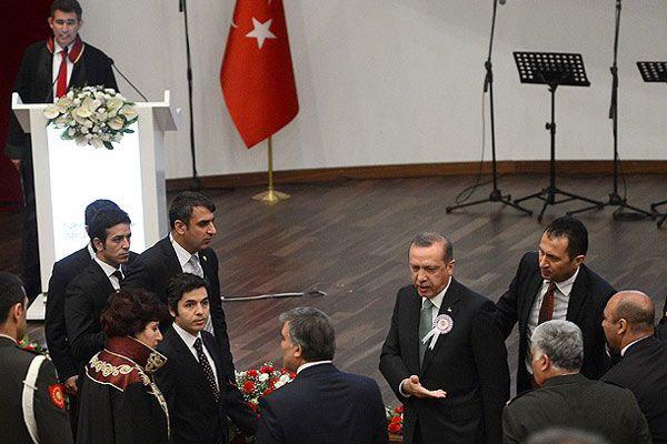 Siyasete ayar dönemi bitiyor, 'törenlere kürsü düzenlemesi geliyor'