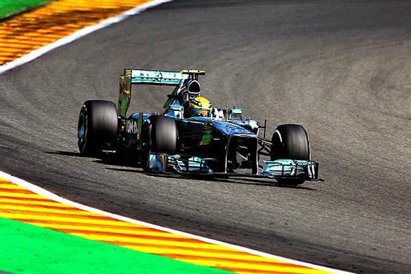 Formula 1 yarışları başladı