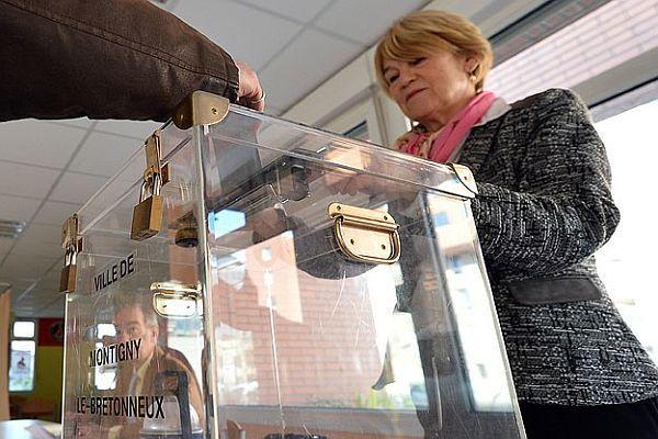 Fransa'da ikinci tur seçimler başladı