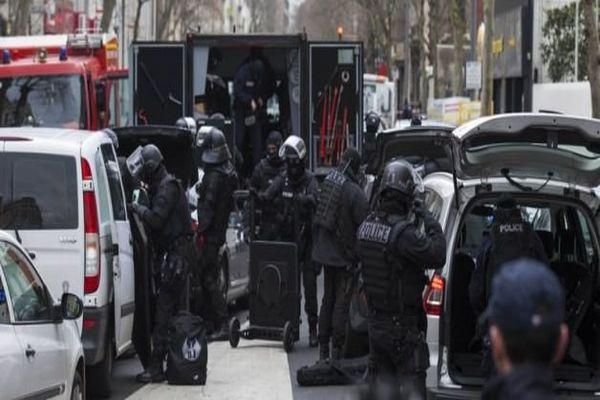 Paris saldırganları Belçika'da kıstırıldı