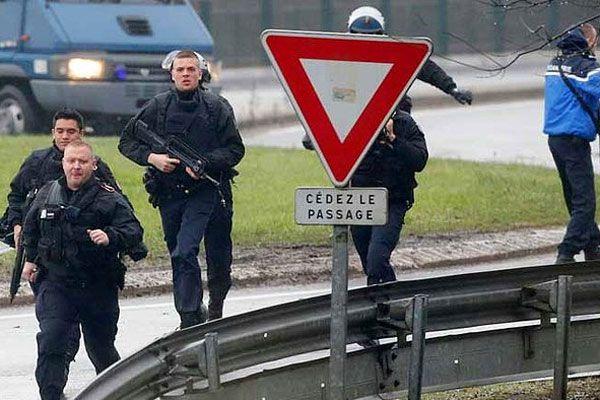 Charlie Hedbo saldırganları ölü olarak ele geçirildi