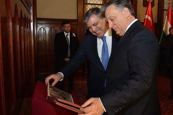 Abdullah Gül'e eski İstanbul fotoğrafları sürprizi