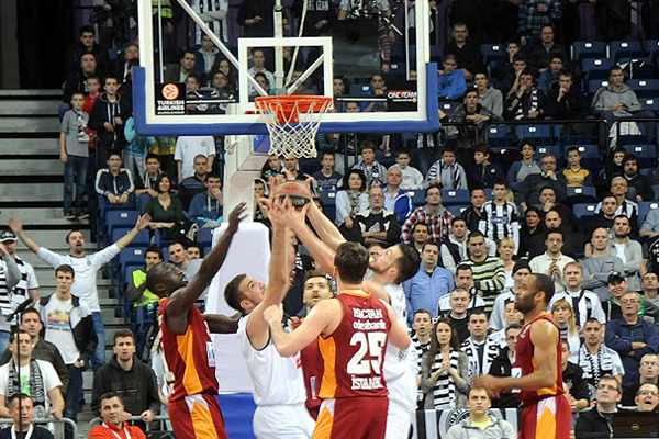 Galatasaray, Partizan NIS'i 78-70 yendi