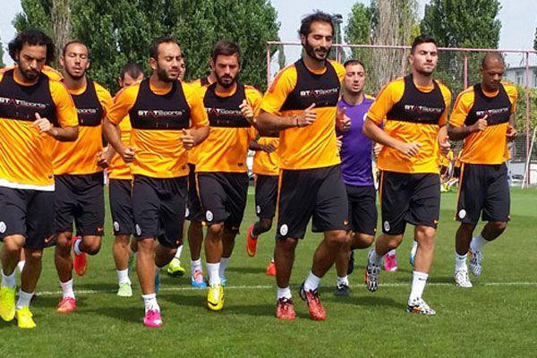 Galatasaray'da mesai sürüyor