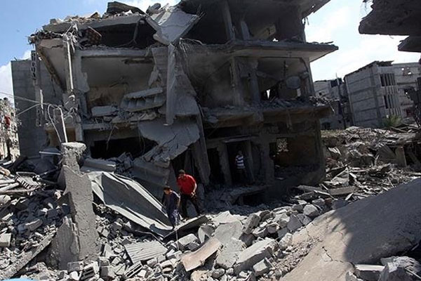 İsrail 1 günde 99 evi top atışıyla vurdu