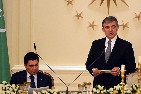 Gül, 'Bir millet iki devlet şiarından hareketle çalışılıyor'
