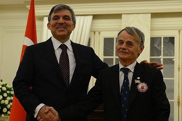 Gül'den, Kırımoğlu'na Cumhuriyet Nişanı