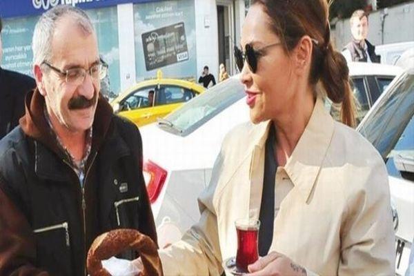 Hülya Avşar taksi durağında bakın ne yaptı