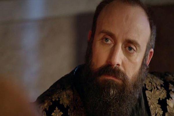 Halit Ergenç sakallarını neden kestiremiyor?
