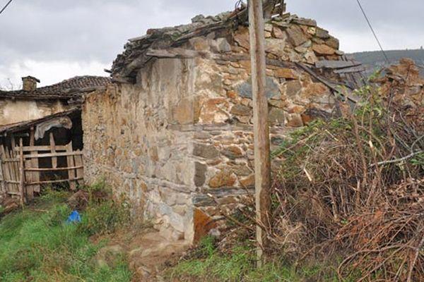 Yaşanan göç nedeniyle hayalet köye döndü