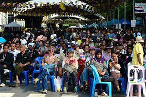 Şinavatra, 'hükümet karşıtlarıyla görüşmeye hazırız'