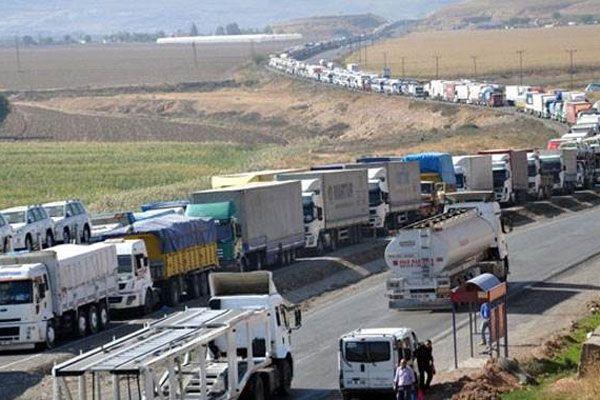 İran sınırında 13 kilometrelik TIR kuyruğu