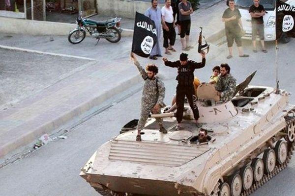 En büyük petrol yatağı IŞİD'e geçti