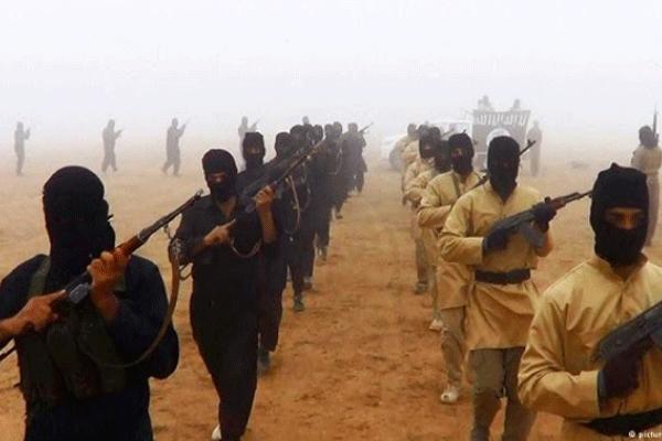 IŞİD'cilerin elinde bomba patladı