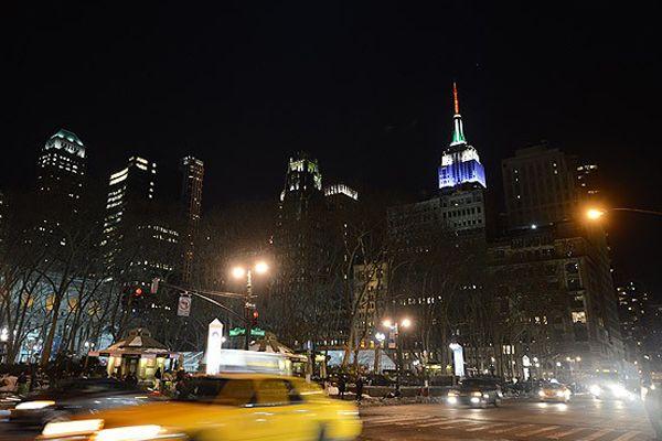 Empire State binasının ışıkları Soçi için yandı