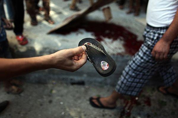 İsrail, Eş-Şati Mülteci Kampı'nı vurdu