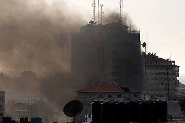 İsrail ordusu Gazze'yi bir daha vurdu