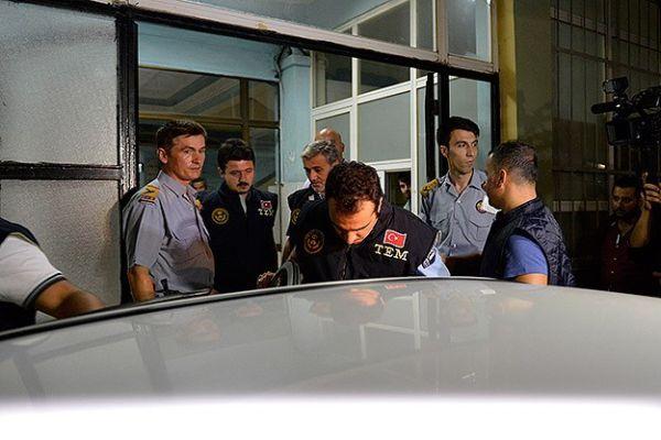 İstanbul'da 'paralel yapı' operasyonu