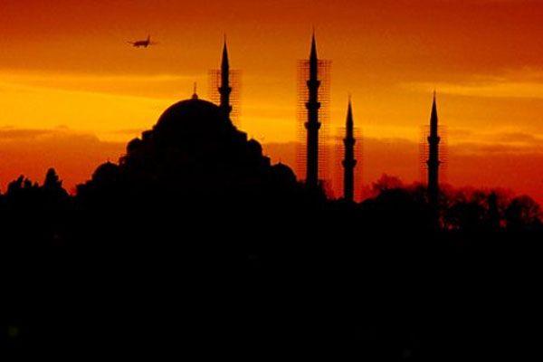 İstanbul'da 80 camide hatimle teravih kılınacak