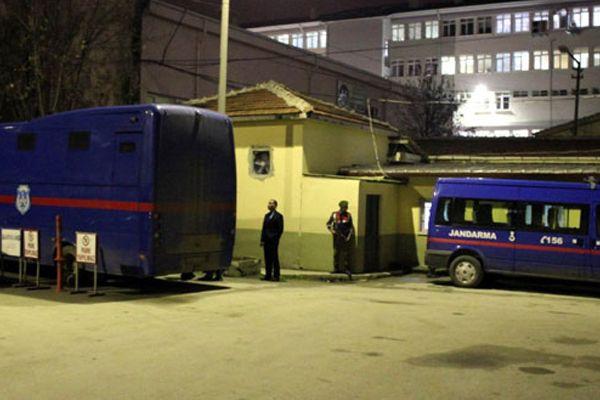 Cezaevinde isyan çıktı, 11 yaralı