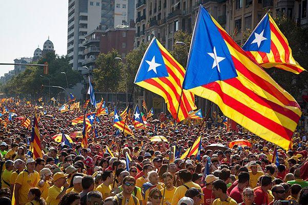 Katalonya'da referandum askıya alındı