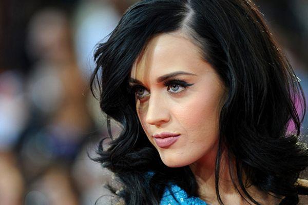 Katy Perry Twitter takipçi sayısı 50 milyonu aştı