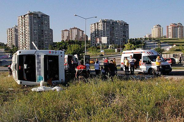 Ankara'da korkunç kaza: 2 ölü, 30 yaralı