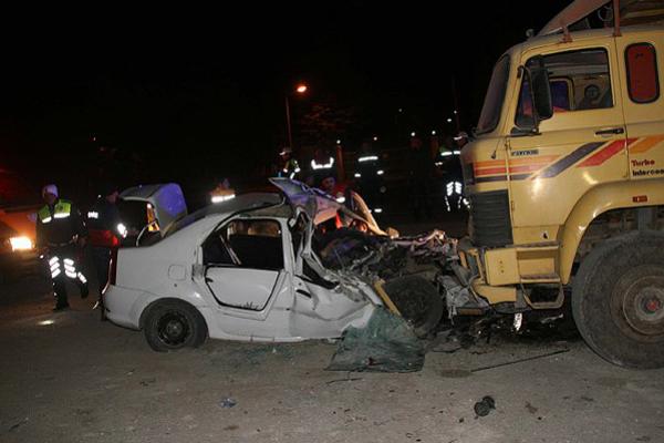 Yurtta trafik kazaları, 7 ölü