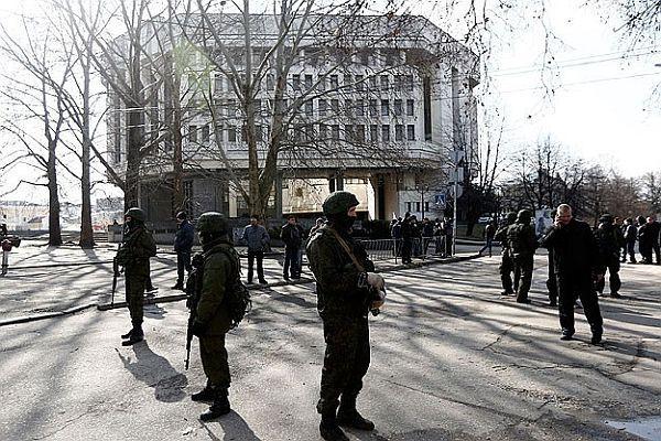 Kırım'da toprak tahsisi ve özelleştirme durduruldu