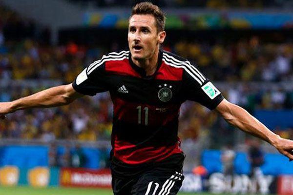 Miroslav Klose veda etti