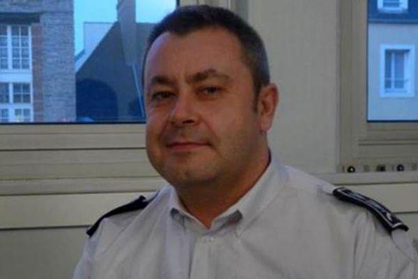 Paris saldırısını araştıran komiser ölü bulundu!