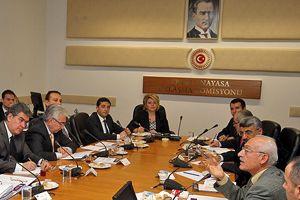 Muhalefet milletvekilleri anayasa için toplandı