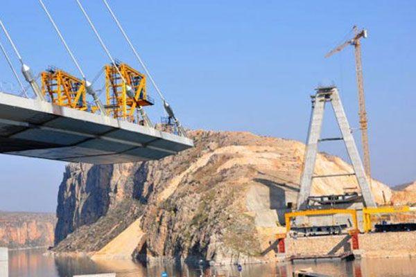 Türkiye'nin en uzun 3. asma köprüsünde sona doğru