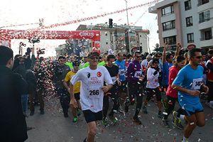 Atatürk Koşusu'nu Çağlayan ve Tsehynesh kazandı