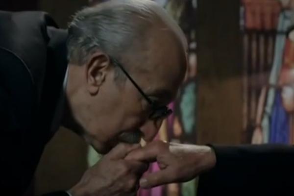 Kurtlar Vadisi'nde Papa'nın kardinali el etek öptürdü-izle