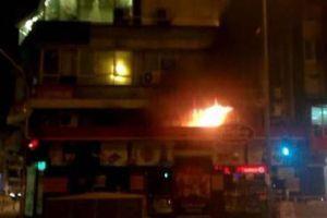 Malatya'da kuruyemiş dükkanında yangın çıktı