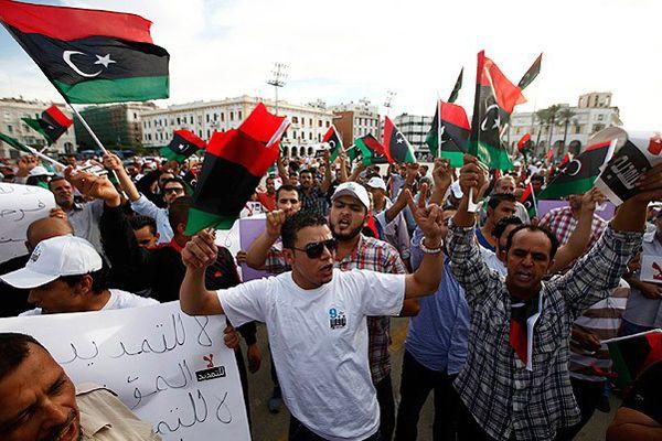 Libya'da seçimler neden ertelendi