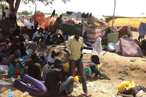 Binlerce mülteci Sudan'a akın ediyor