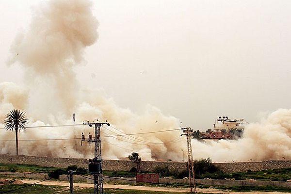 Mısır ordusu 6 tüneli bombaladı