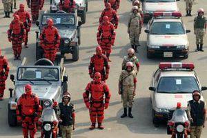 Referandumda güvenliği kırmızı zırhlı askerler sağlayacak