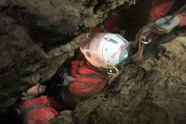 Mağarada mahsur kalan Alman araştırmacı 12 gün sonra kurtarıldı