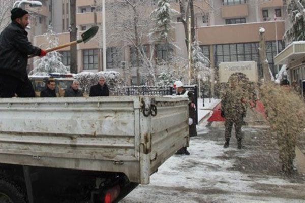 Malatya'da okullar kar yağışı nedeniyle tatil edildi