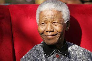 Mandela'nın ölümünün ardından ailesi birbirine düştü