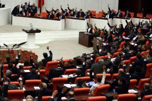 Meclis'te 'tam gün' mesaisi