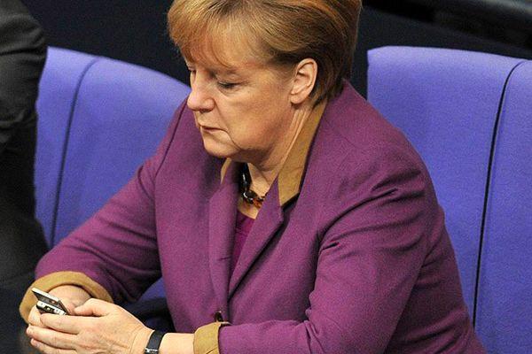 Merkel'den Yanukoviç'e uyarı