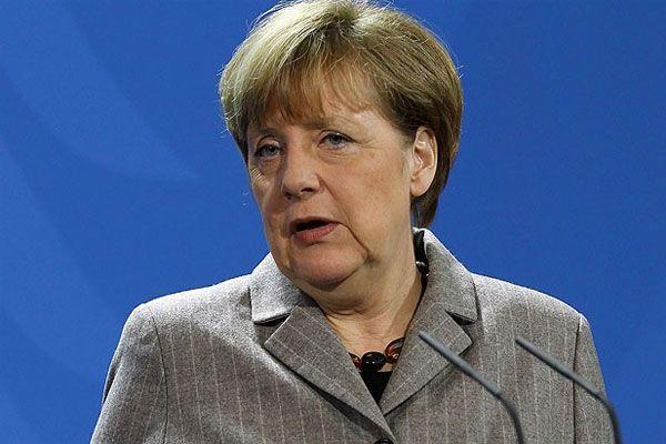 Merkel açıkladı, 'Kabinemin bir çok üyesiyle yürüyüşe katılacağım'
